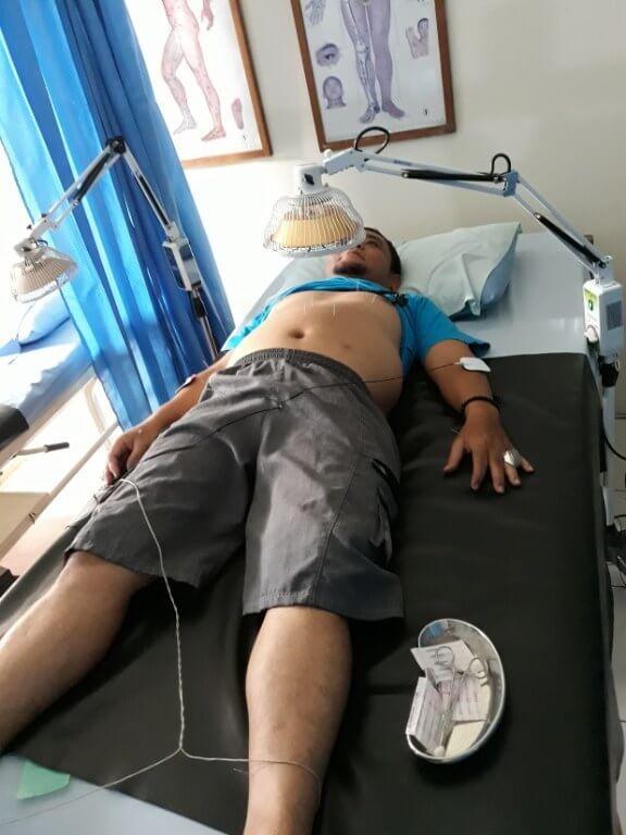 Terapi Tusuk Jarum di Cigombong